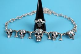 Heavy skull & bones silver necklace & ring - Weight approx 67g