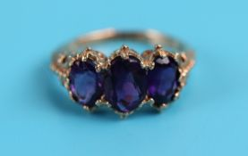 Gold Victorian style amethyst set ring