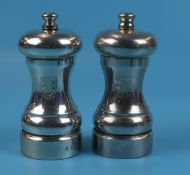 Pair of hallmarked silver pepper mills - Circa 1982 - Approx gross weight: 274g