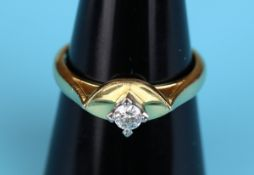 18ct gold diamond solitaire ring (Size: O)