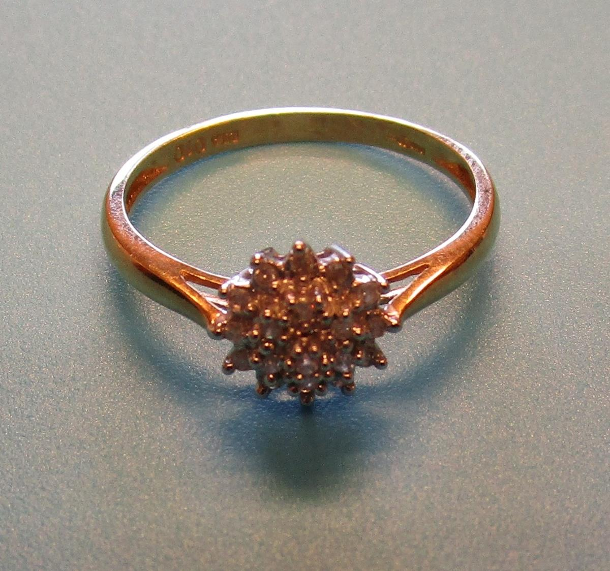 Gold diamond cluster ring (Size: P) - Image 2 of 3