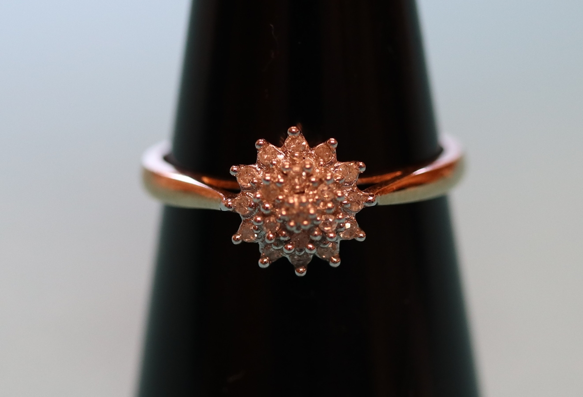 Gold diamond cluster ring (Size: P)