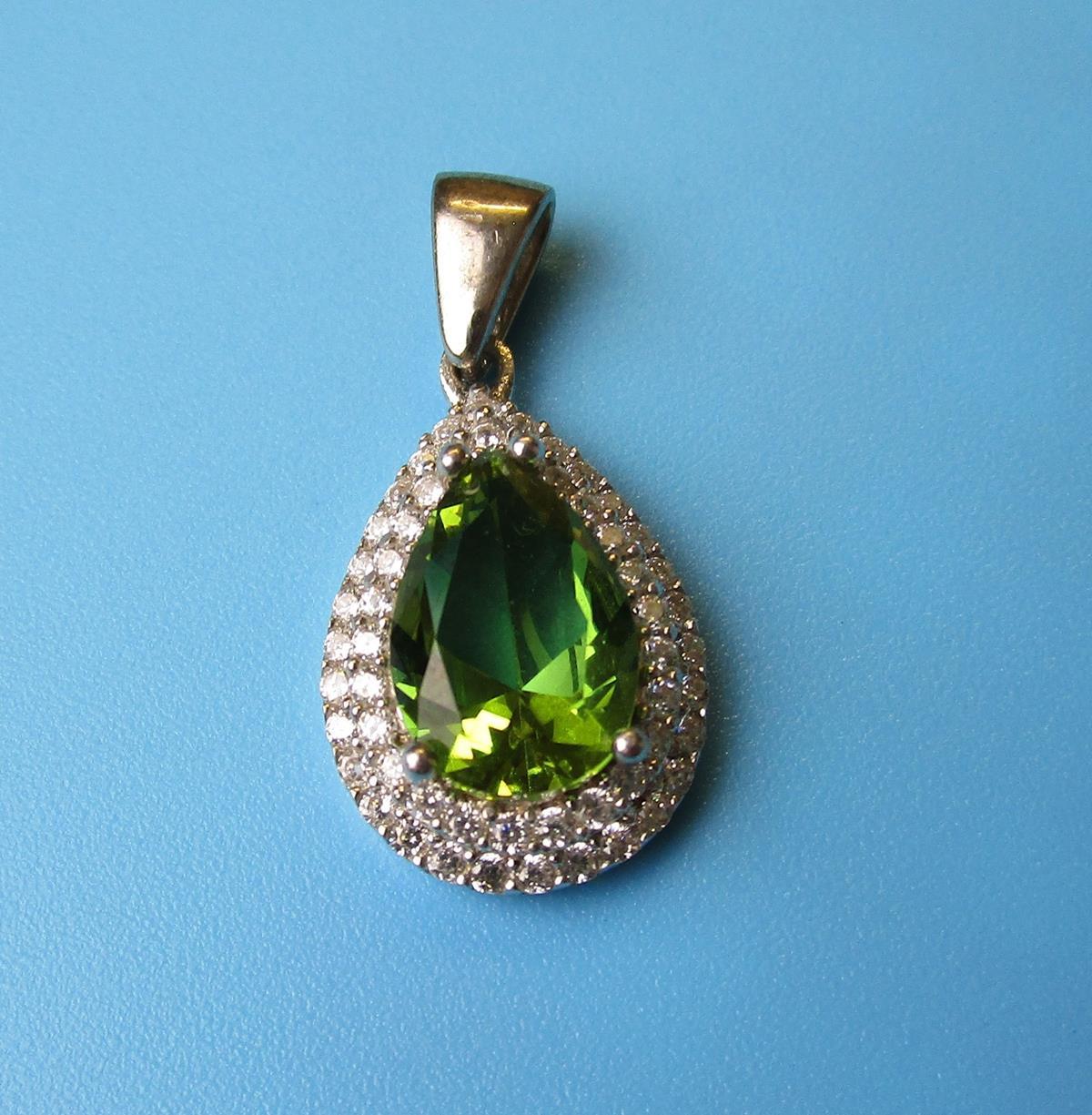 Silver topaz set earrings, pendant & ring - Image 5 of 5