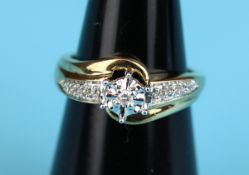 Gold diamond solitaire ring with diamond shoulders (Size: I)