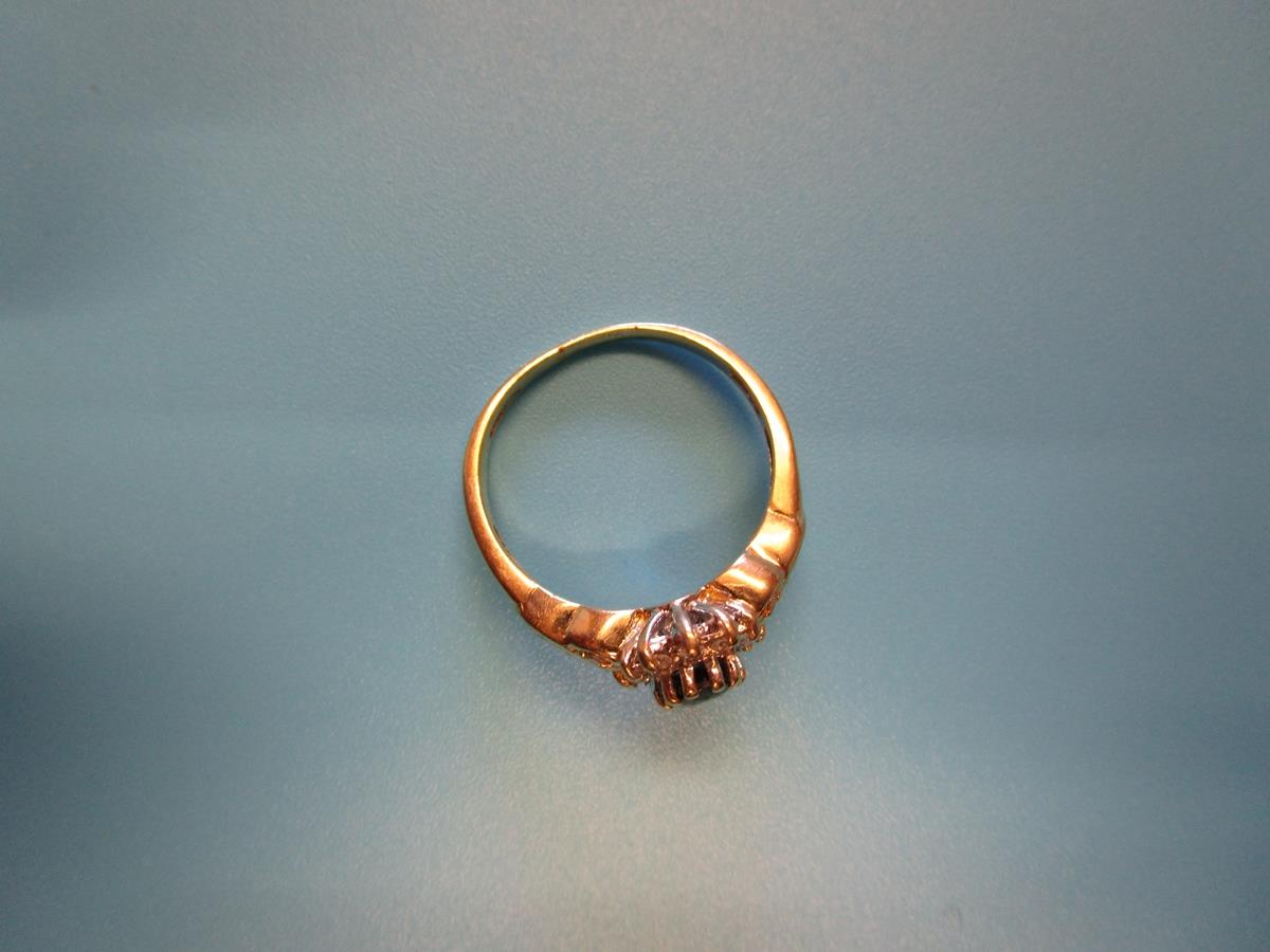 Gold sapphire & diamond cluster ring (Size: N½) - Image 3 of 3