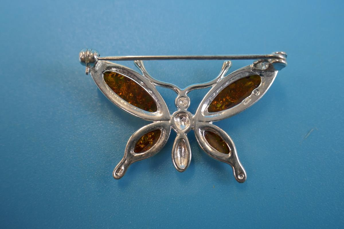 Silver & amber butterfly brooch - Image 2 of 2
