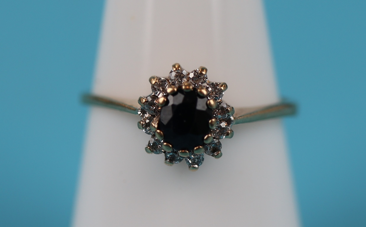 Gold diamond & sapphire cluster ring (Size: N)