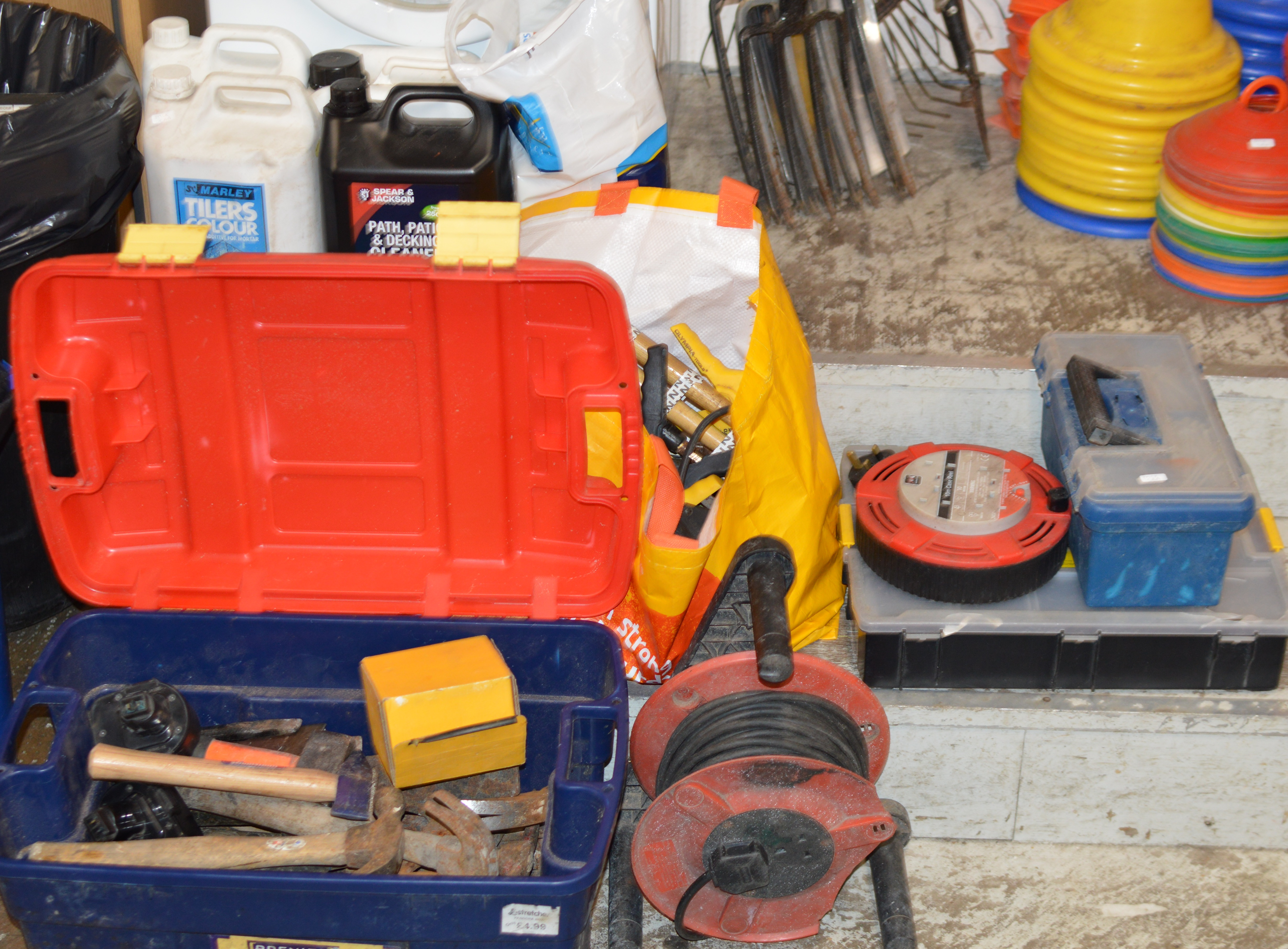Lot 420 - LARGE QUANTITY VARIOUS TOOLS, HAND TOOLS, NAILS, FITTINGS, DECKING CLEANER, WEED KILLER, LIGHT