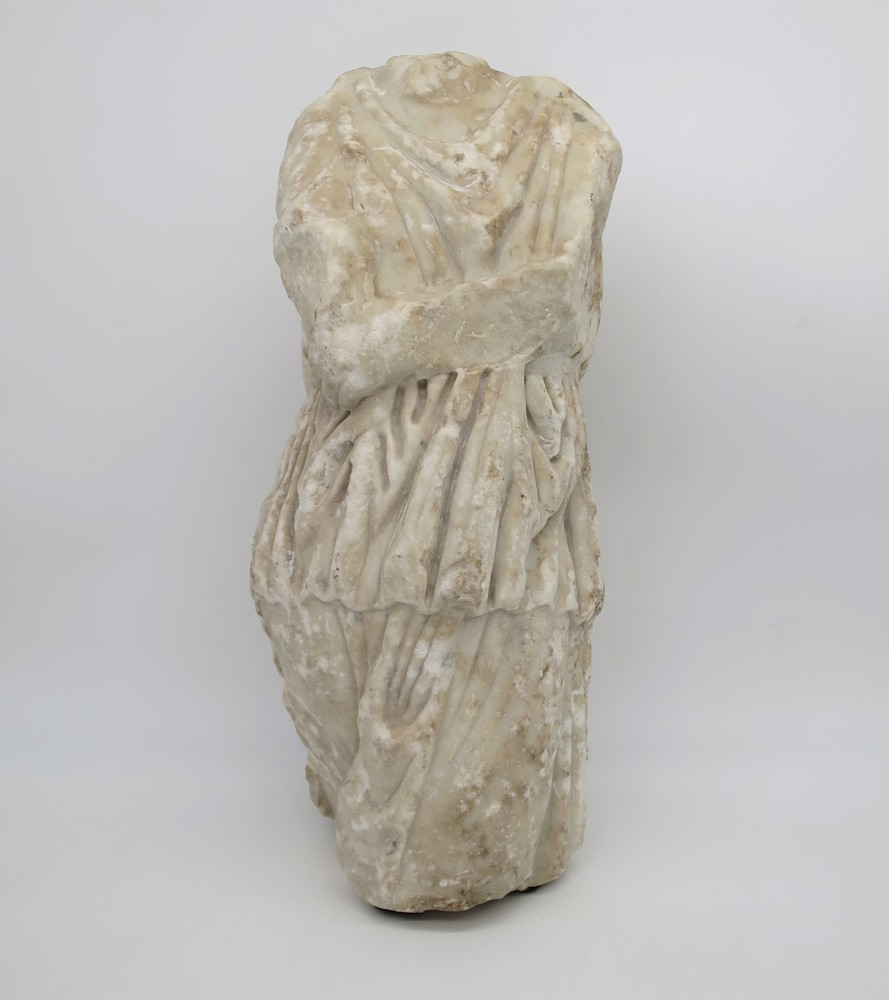 Lot 26 - Antico torso in marmo - An antique marble bust