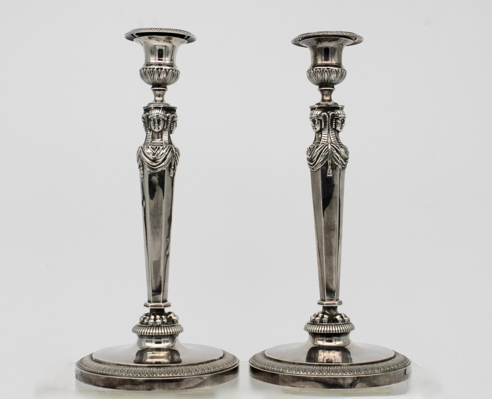 Lot 53 - Coppia di candellieri in argento - A pair of silver candlesticks