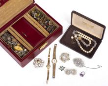 A MIXED LOT of jewellery and costume jewellery to include a ladies cocktail watch with a 9 carat