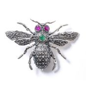 A COSTUME JEWELLERY BUMBLEBEE PENDANT marked sterling, 6cm x 4cm At present, there is no condition