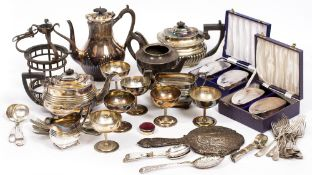 A LARGE QUANTITY OF SILVER PLATED ITEMS to include teapots, cutlery, coffee pots, a lantern, cased