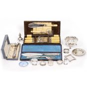 A MIXED GROUP OF SILVER AND SILVER PLATE to include a pair of silver ashtrays each 9cm wide, a