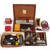 A COLLECTION OF ANTIQUE MECCANO, a small quantity of N gauge trains, a 00 gauge 313 locomotive At