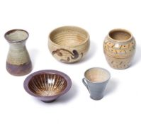 A SMALL GROUP OF FIVE PIECES OF STUDIO POTTERY to include a small vase from the Fenland Pottery