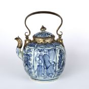 Blue and white teapot and cover Chinese, Wanli Period (1572-1620) decorated to body depicting