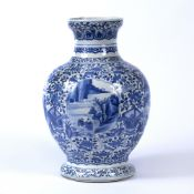 Blue and white baluster vase Chinese, Kangxi Period (1662-1722) decorated to the exterior with