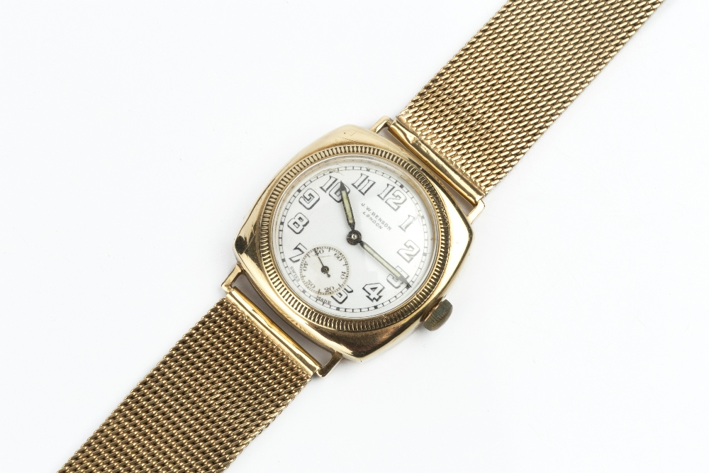 A GENTLEMAN'S WRISTWATCH, the circular white dial with Arabic numerals and subsidiary seconds