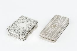 A GEORGE III SILVER RECTANGULAR VINAIGRETTE, with engraved decoration and pierced gilt grille, by