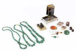 A COLLECTION OF HARDSTONE ITEMS, to include three malachite bead necklaces, a malachite cluster