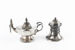 A SILVER SMALL OIL LAMP, of urn shape, with scroll handle, by Henry Matthews, Birmingham 1918, 7.5cm
