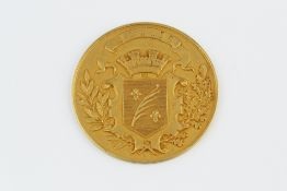 OF GOLFING INTEREST: A FRENCH MEDAL, depicting the coat of arms for Cannes, inscribed 'Prix Offert