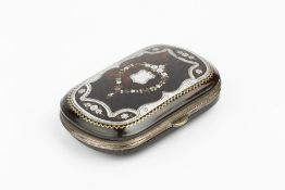 A LATE 19TH CENTURY TORTOISESHELL AND SILVER PIQUÉ INSET PURSE, further decorated with a garland