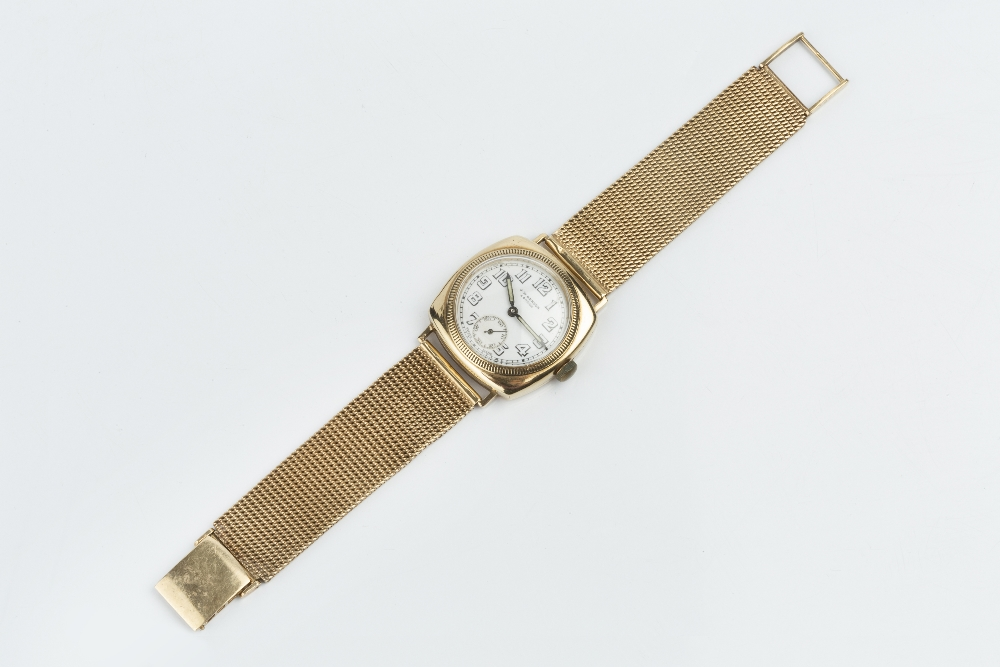 A GENTLEMAN'S WRISTWATCH, the circular white dial with Arabic numerals and subsidiary seconds - Image 2 of 3