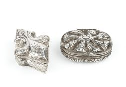 A LATE 19TH CENTURY HANAU BOX, in the form of a fleur-de-lys, with embossed and engraved