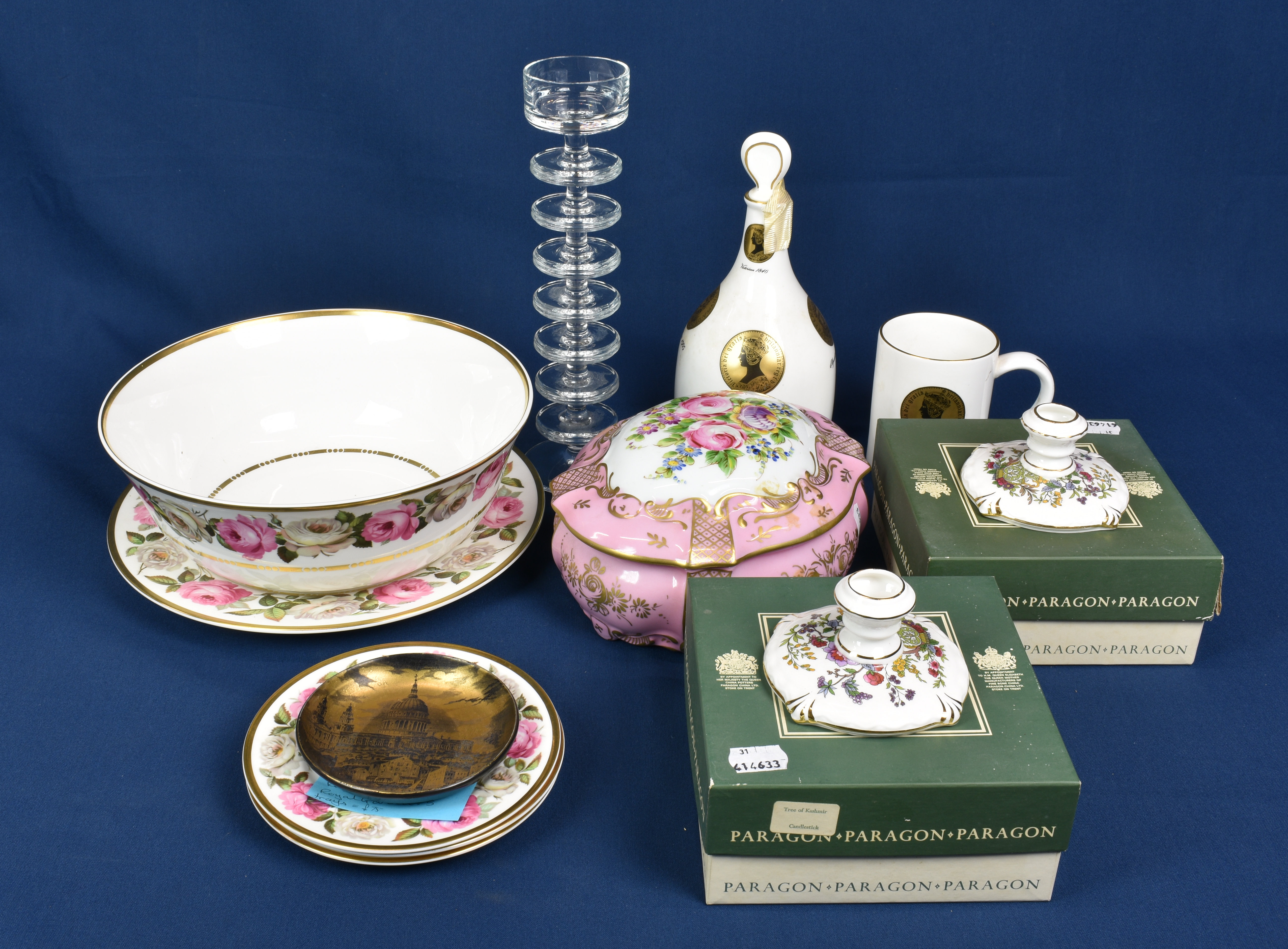 Lot 181 - A small collection to include Royal Worcester Royal Garden pattern plates and bowl, a Portmeirion