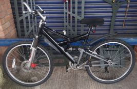 A mens TXS 700 mountain bike with front suspension etc