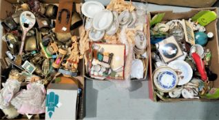 A collection of miniature china pieces; dolls' tea sets and related items