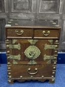 AN EARLY 20TH CENTURY CHINESE CHEST