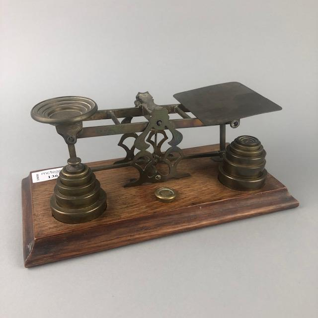 A SET OF EARLY 20TH CENTURY POSTAL SCALES,