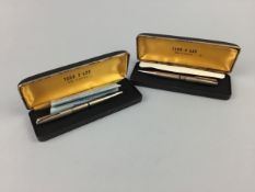 A YARD-O-LED GOLD PLATED PENCIL AND PEN