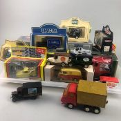 A COLLECTION OF BOXED AND LOOSE MODEL VEHICLES