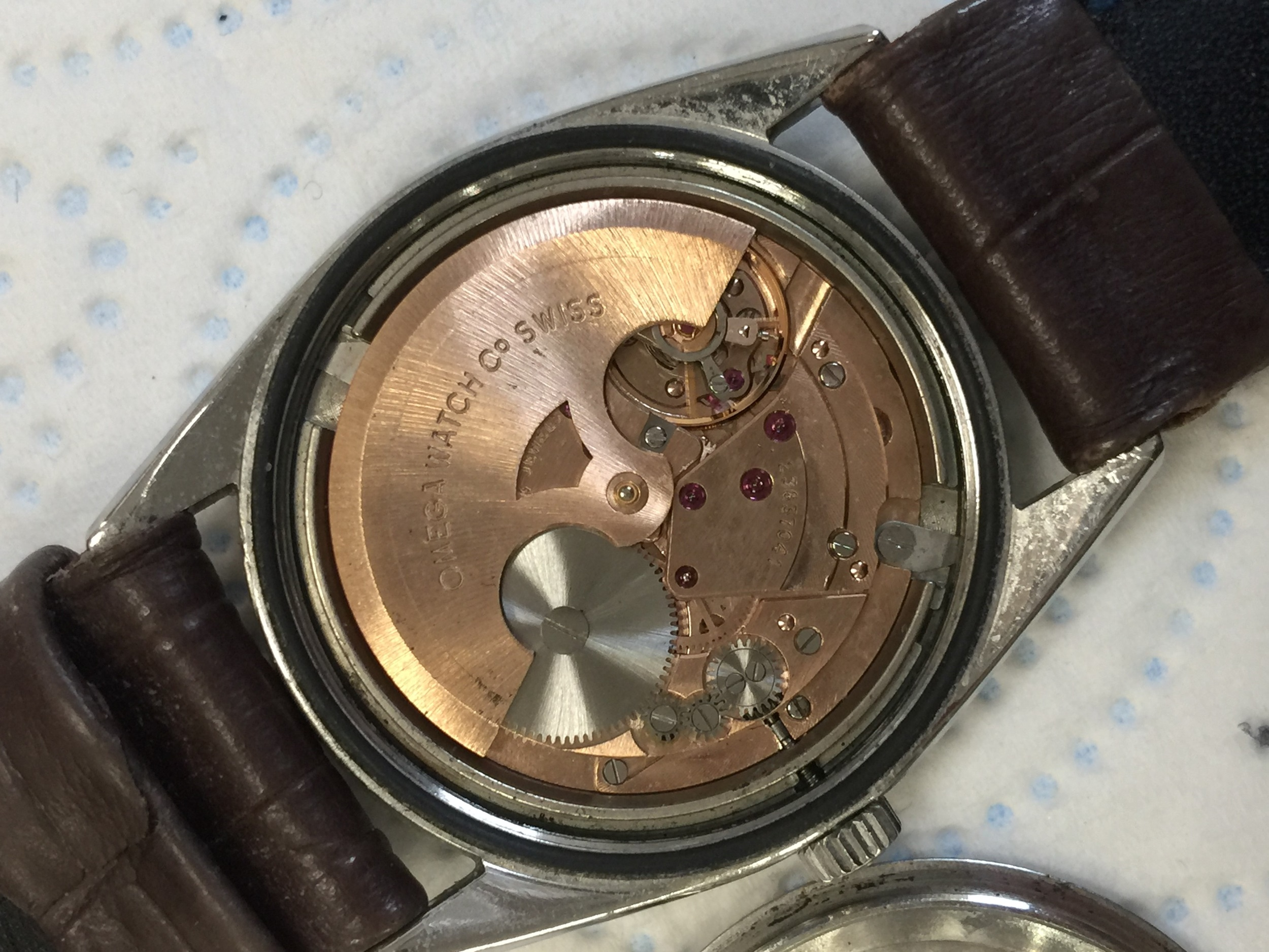 Lot 708 - A GENTLEMAN'S OMEGA CONSTELLATION STAINLESS STEEL AUTOMATIC WRIST WATCH