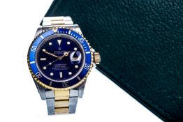 A GENTLEMAN'S ROLEX OYSTER PERPETUAL DATE SUBMARINER STAINLESS STEEL BI COLOUR AUTOMATIC WRIST WATCH