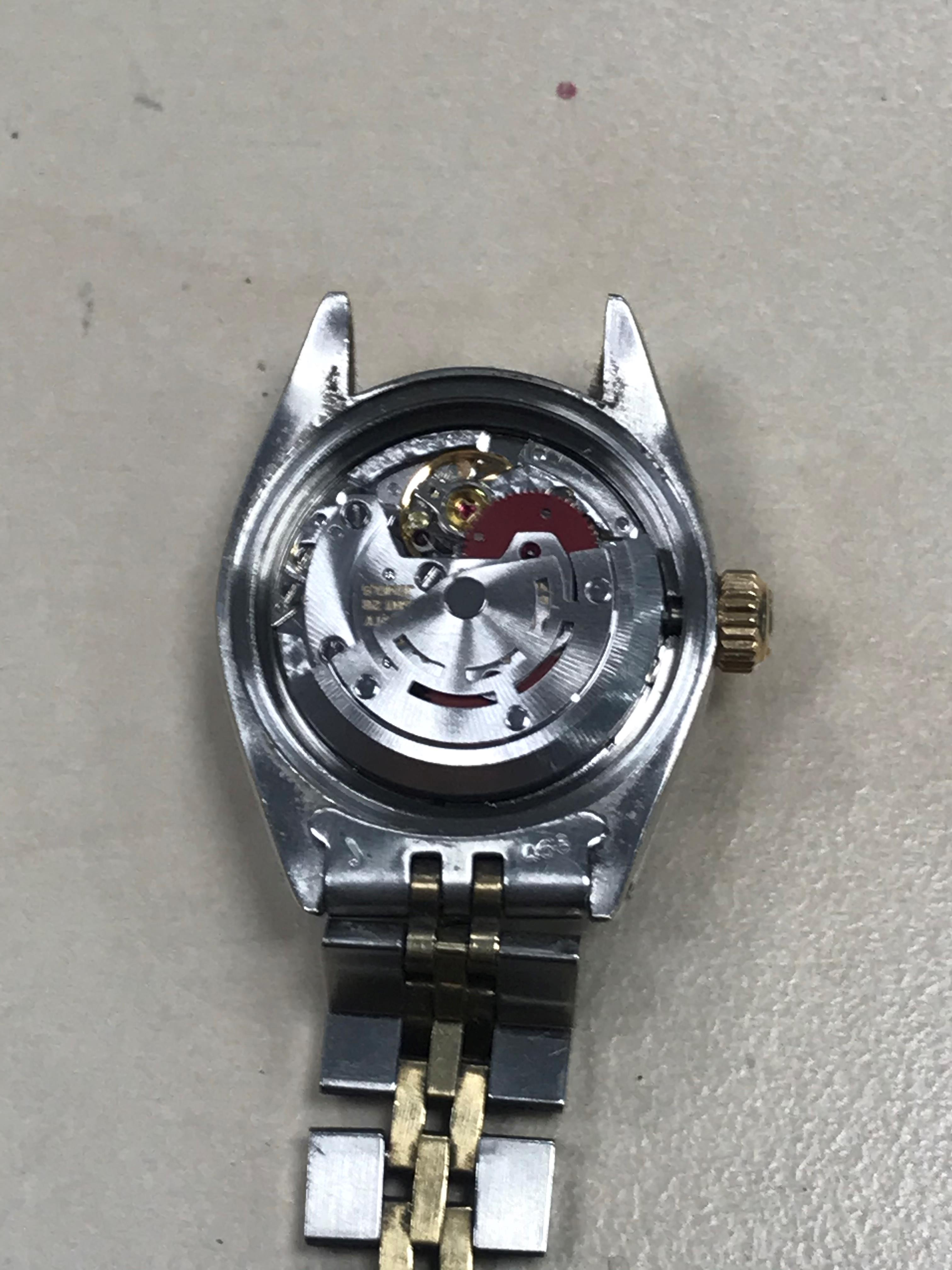 Lot 855 - A LADY'S ROLEX OYSTER PERPETUAL DATE STAINLESS STEEL BI COLOUR AUTOMATIC WRIST WATCH