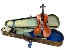 AN EARLY 20TH CENTURY VIOLIN
