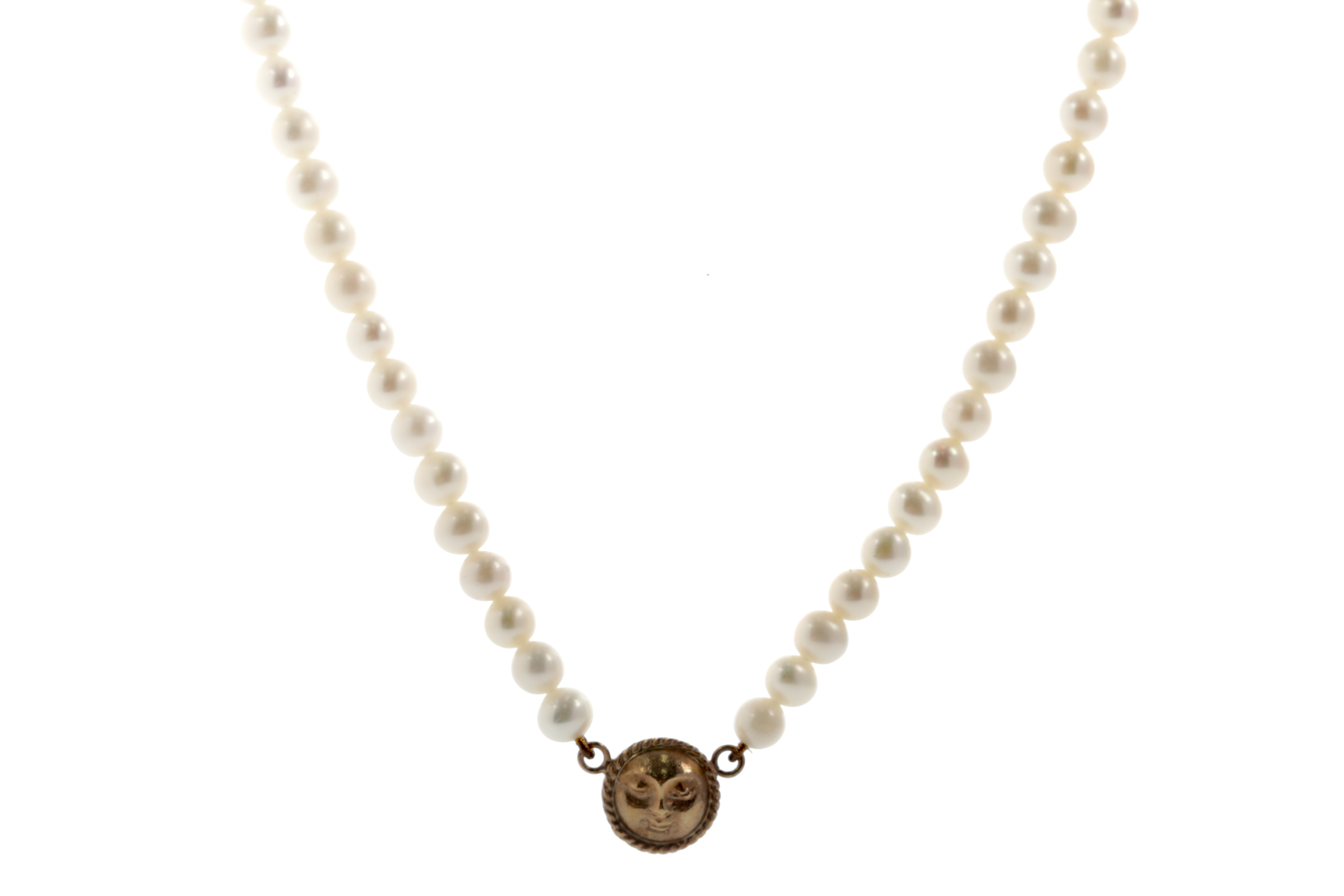 A FAUX PEARL NECKLACE WITH GOLD MOON CHARM