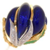 A DIAMOND AND GOLD AND TRANSLUCENT ENAMEL COCKTAIL RING,  MARKED Kt 8, 12.8G, SIZE P Good condition,