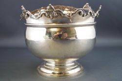 Monthly Sale of Antiques & Collectables.