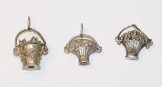 3 Silber Trachten-Anhänger in verschiedenen Formen, ev. Augsburg ?