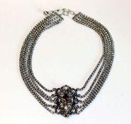 Kropfkette, 835 Silber, 5-reihig mit Granat und 2 Perlen, L 32 cm