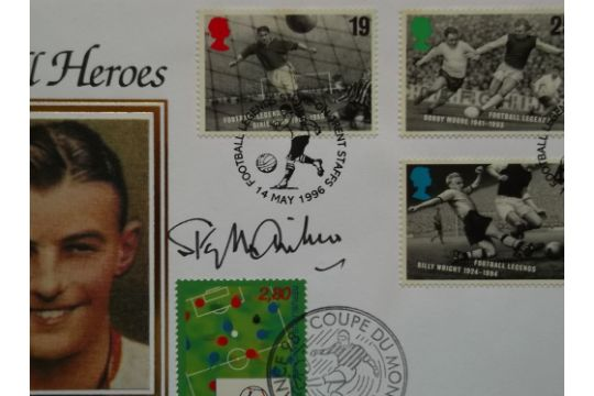FOOTBALL HEROES LIMITED EDITION POSTAL COVER AUTOGRAPHED BY STANLEY MATTHEWS - Image 2 of 2