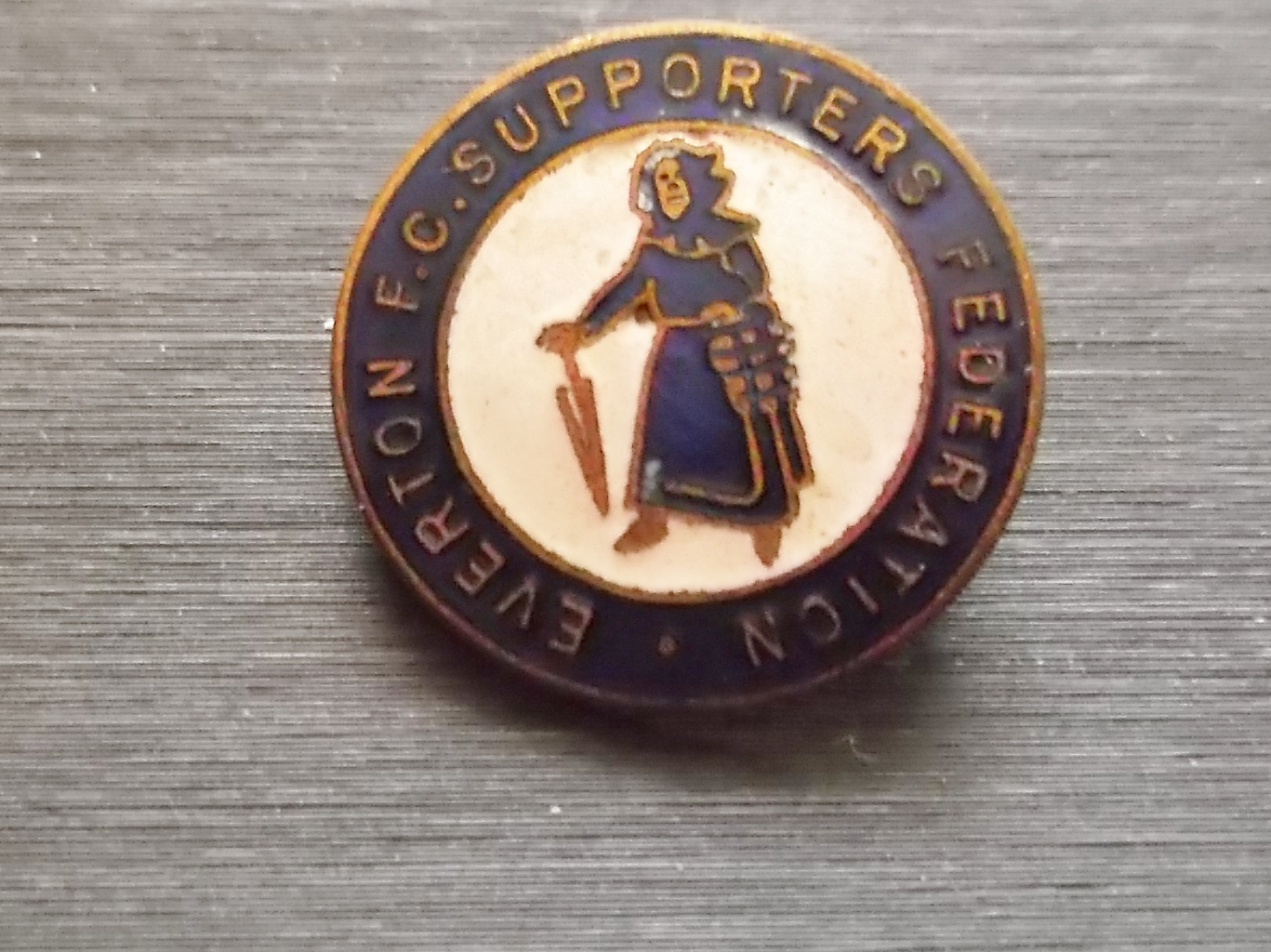 EVERTON - VINTAGE SUPPORTERS FEDERATION BADGE