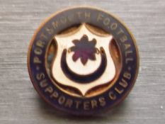 PORTSMOUTH - VINTAGE SUPPORTERS CLUB BADGE