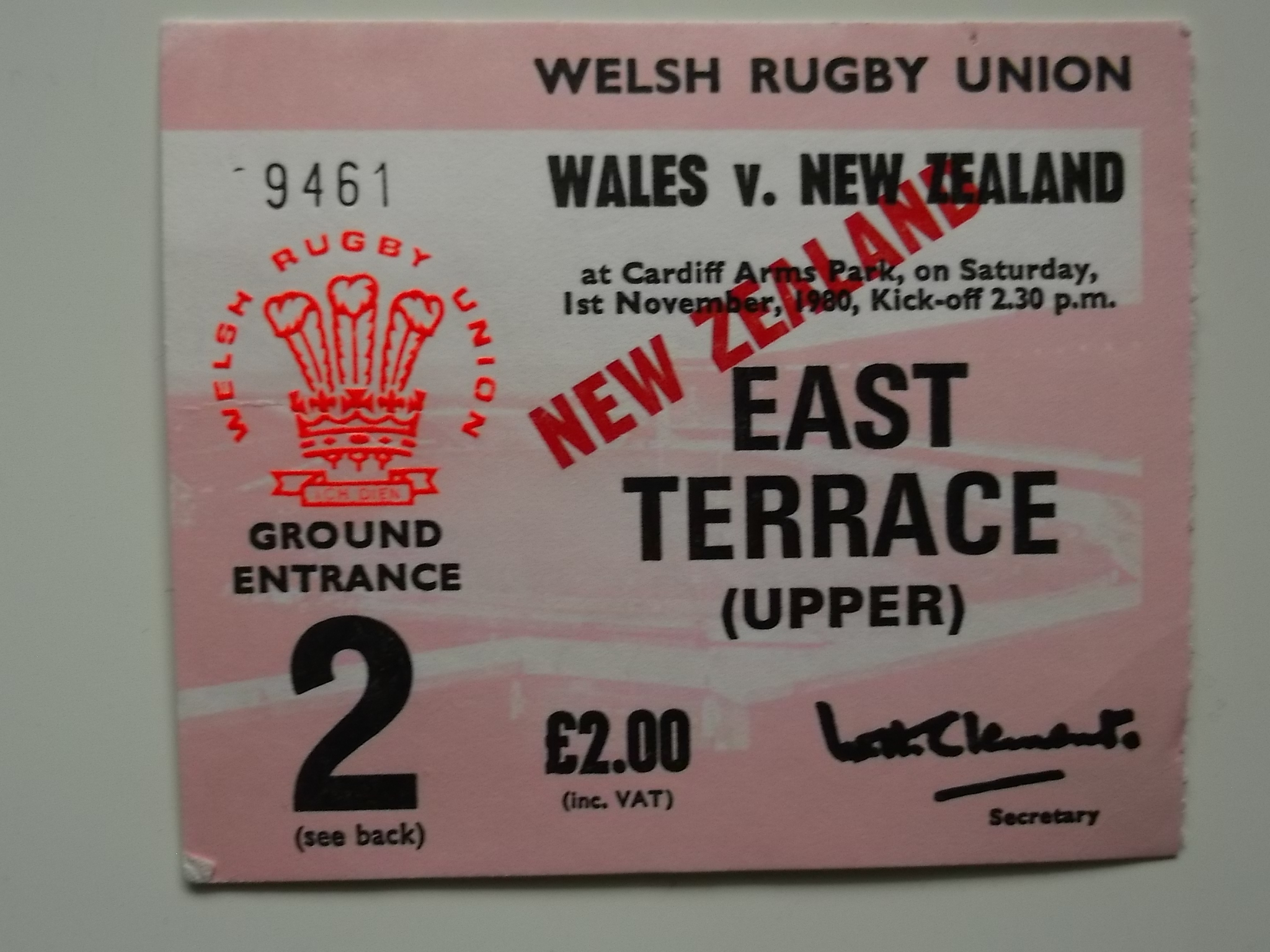 RUGBY UNION - 1980 WALES V NEW ZEALAND PROGRAMME + TICKET - Image 2 of 2